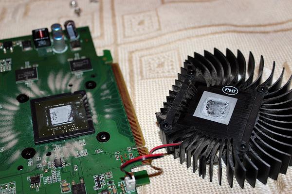 Как самостоятельно поменять термопасту в видеокарте или процессоре?