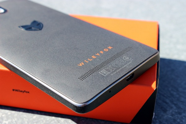 фотографии смартфона Wileyfox Storm