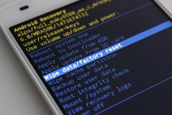 Что делать, если забыл код разблокировки или графический ключ